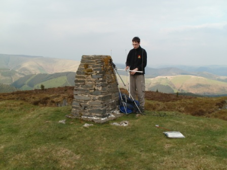 Jimmy setting up the 2m SOTA Beam just after arriving on summit...